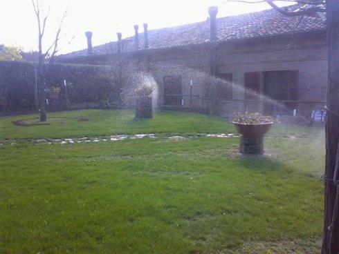 Sistema di irrigazione automatizzato per giardino
