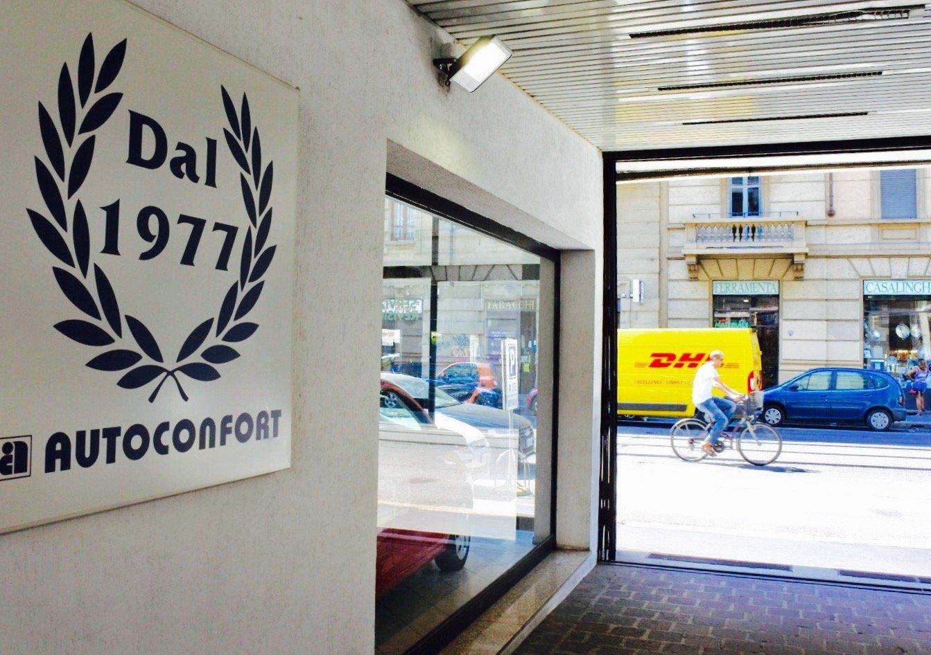 Ingresso parcheggio rivendita Autoconfort Milano Lambrate via Porpora 165