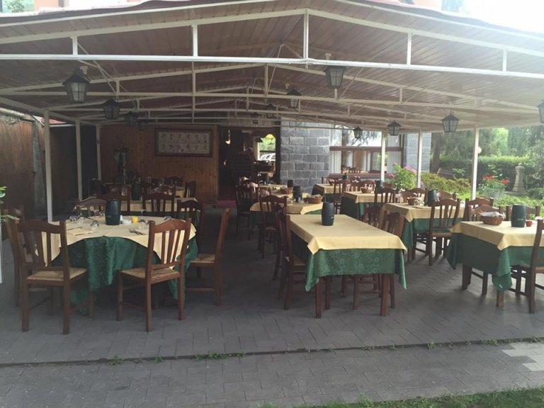 Ristorante con veranda esterna Val Bisagno Genova