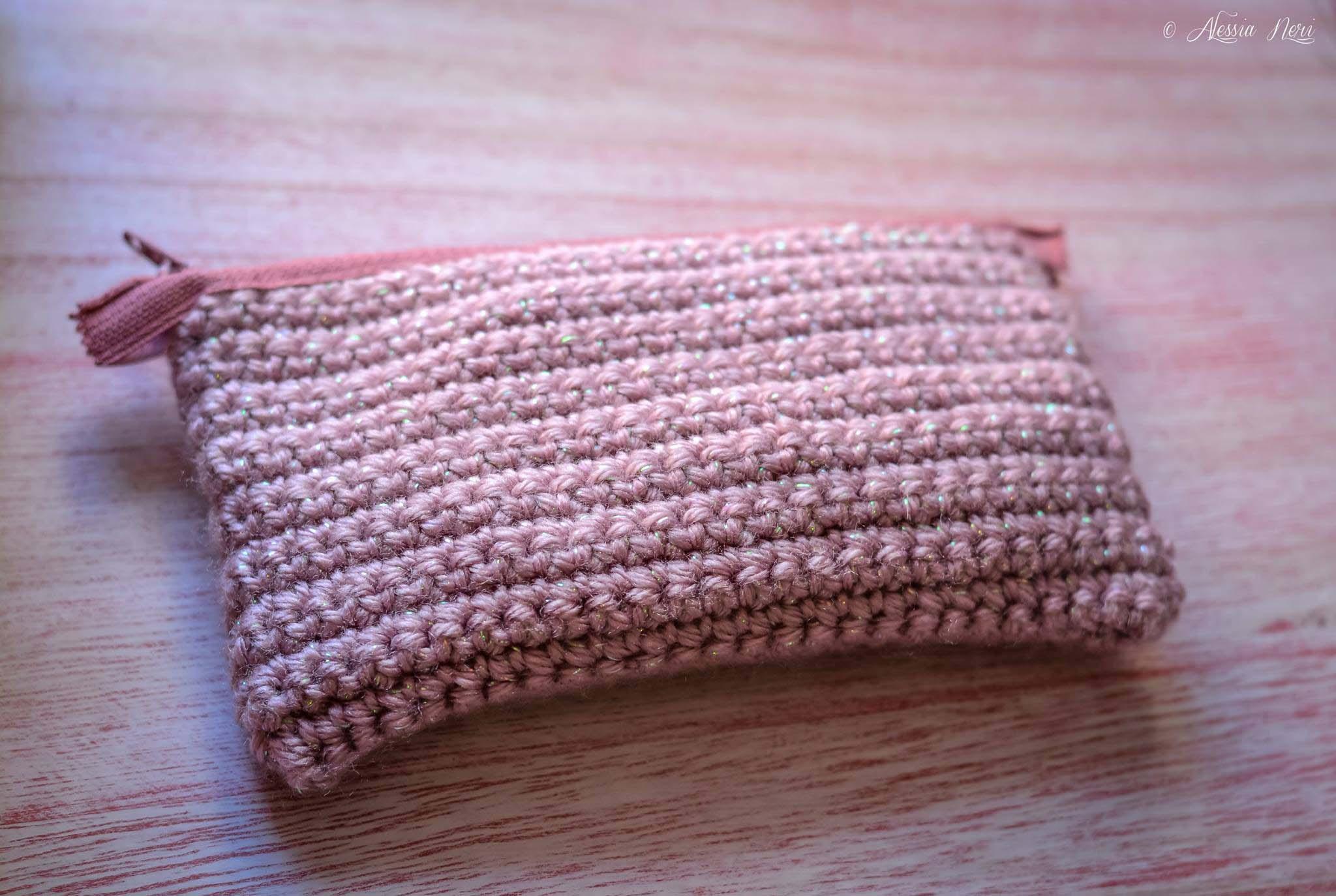 kit bustina porta cucito da borsa in maglia di colore rosa
