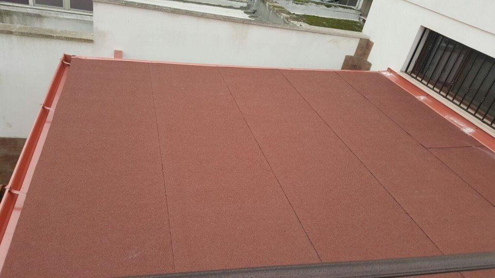 tegola ardesiata rossa per poca discesa del tetto