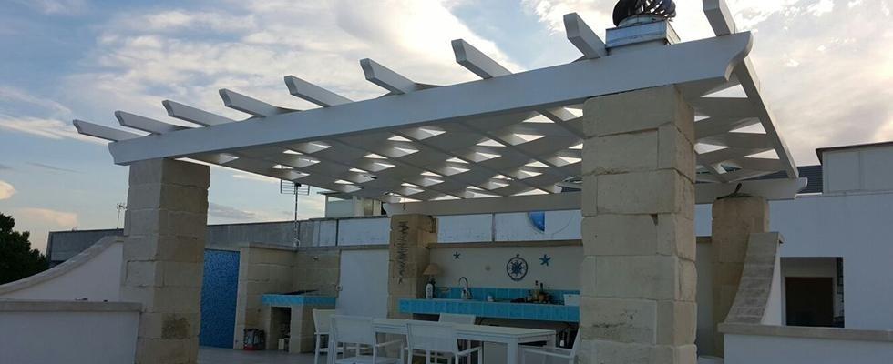tettoia con teli incrociati