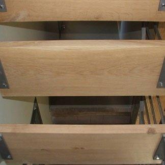 raccordo in acciaio per gradino legno