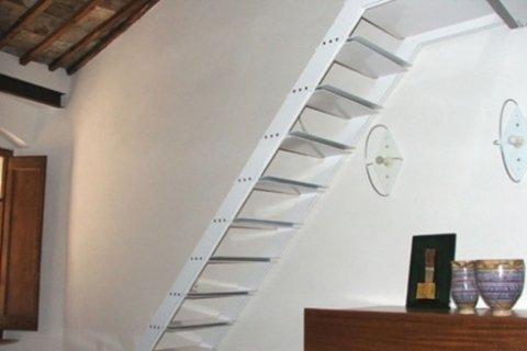 scala metallica laccata bianca