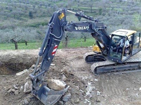 scavi con mezzi