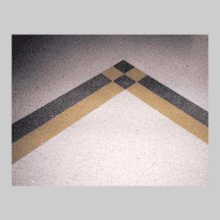 pavimentazione con motivi geometrici