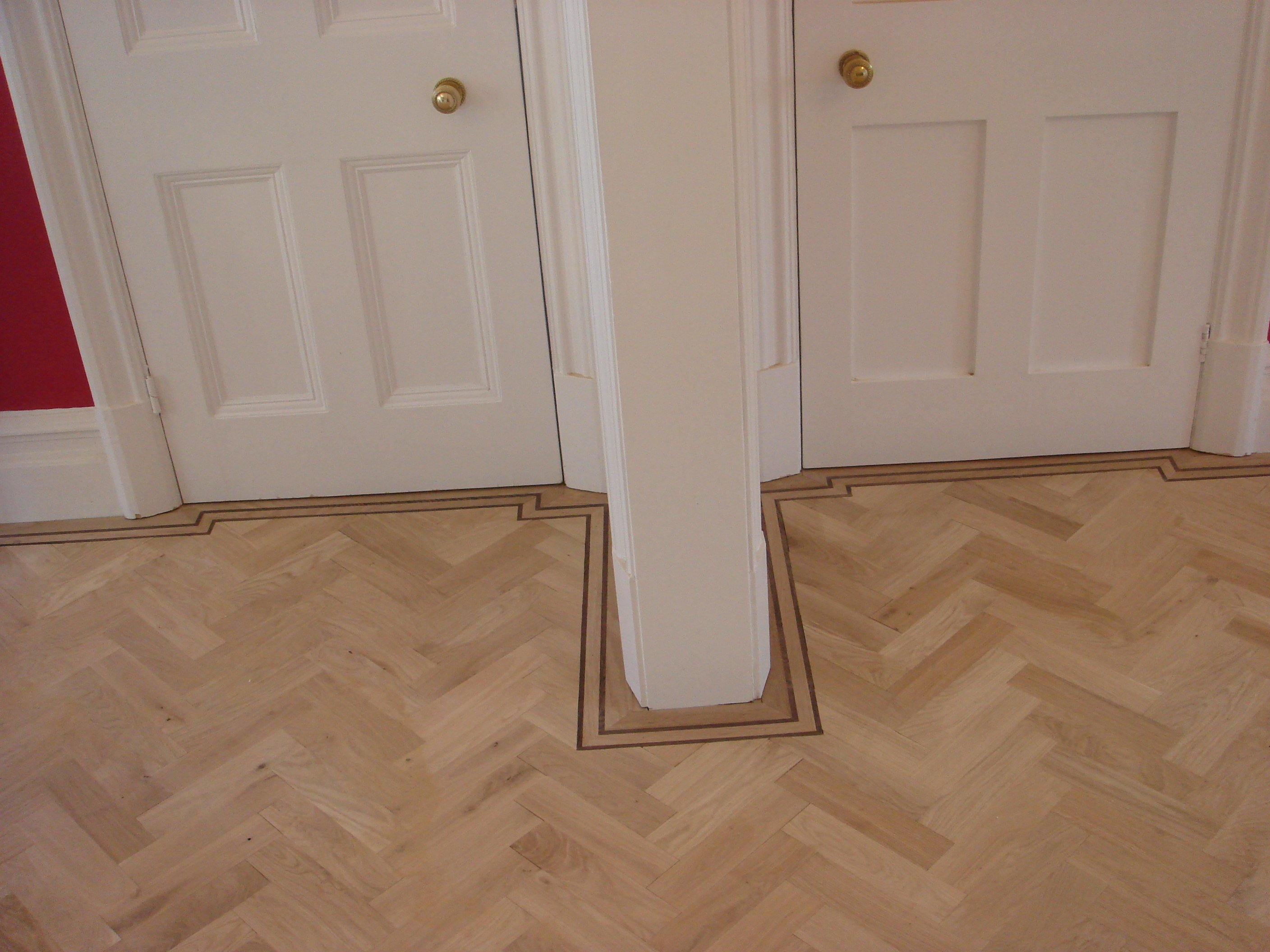 parquet floor fitted round room features