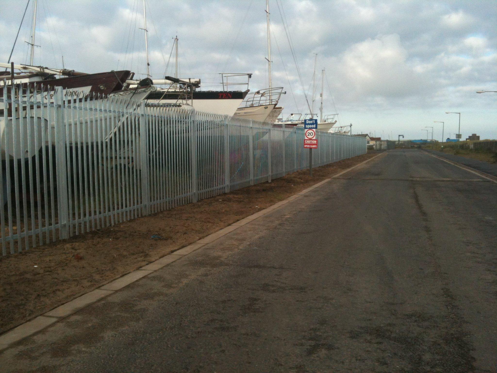 Palisade fencing to royal Northumberland Yacht club 3