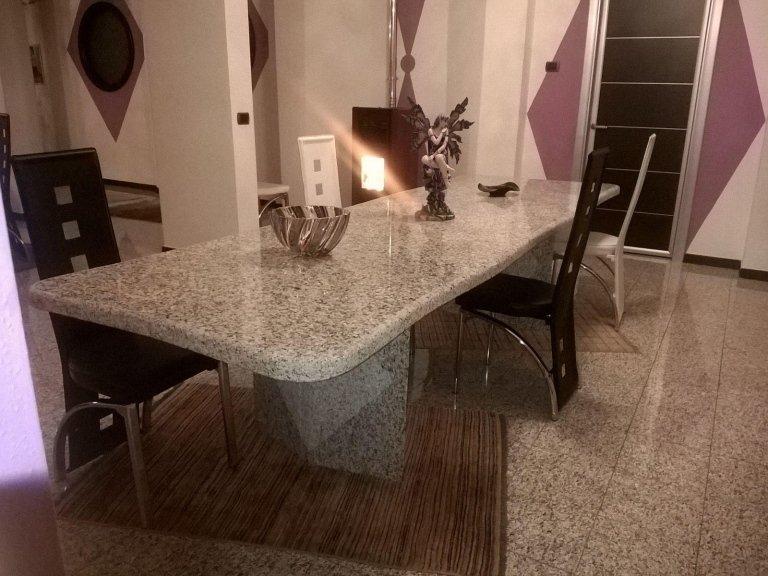 Tavolo in granito