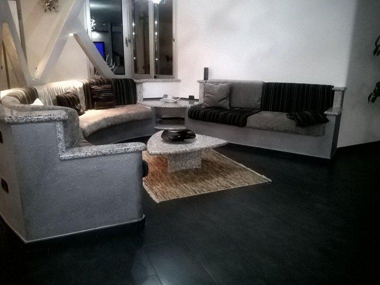Tavolo da salotto in granito