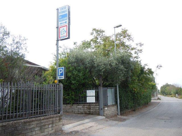 ingresso clinica dalla strada