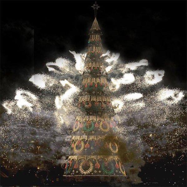 christmas tree fireworks display