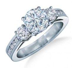 Anello con diamantino
