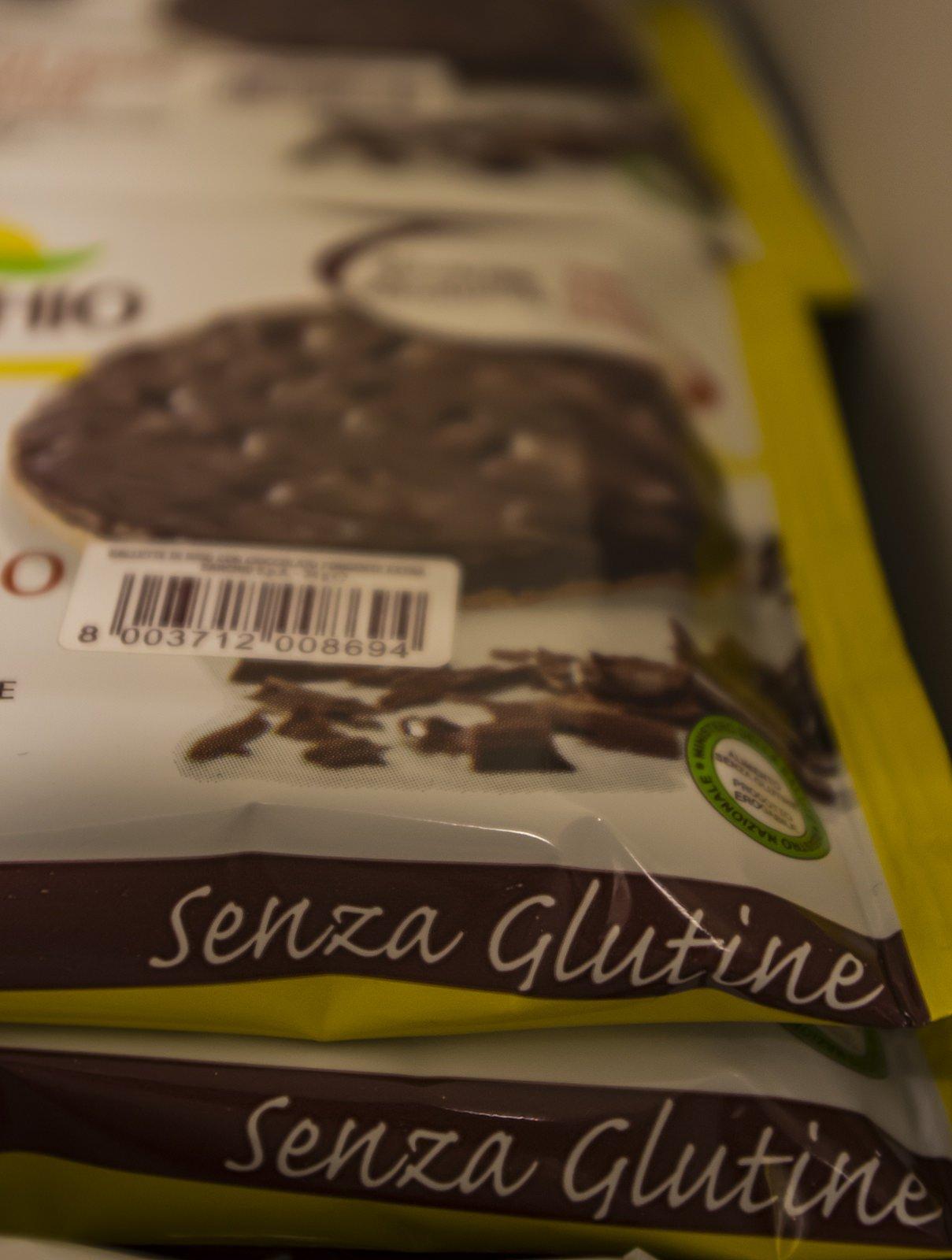 vista ravvicinata di una confezione con scritto senza Glutine
