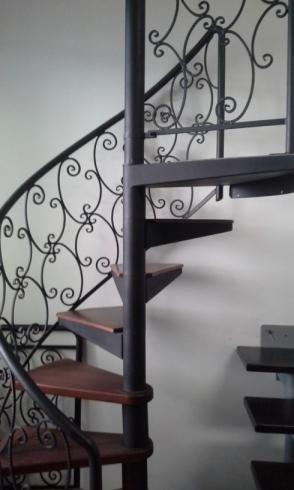 lavorazione corrimano scale