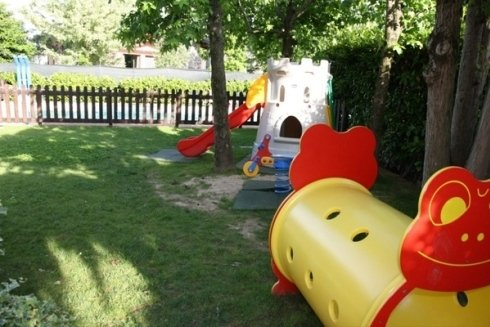 la parte del giardino dedicato ai bambini