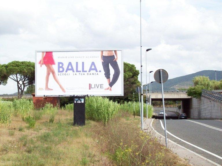 un cartello con scritto balla scegli la tua danza