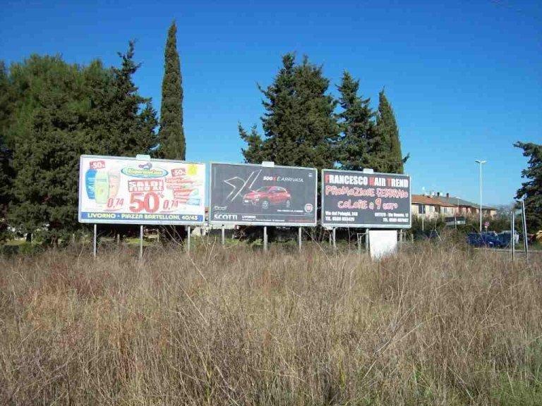 3 cartelli pubblicitari