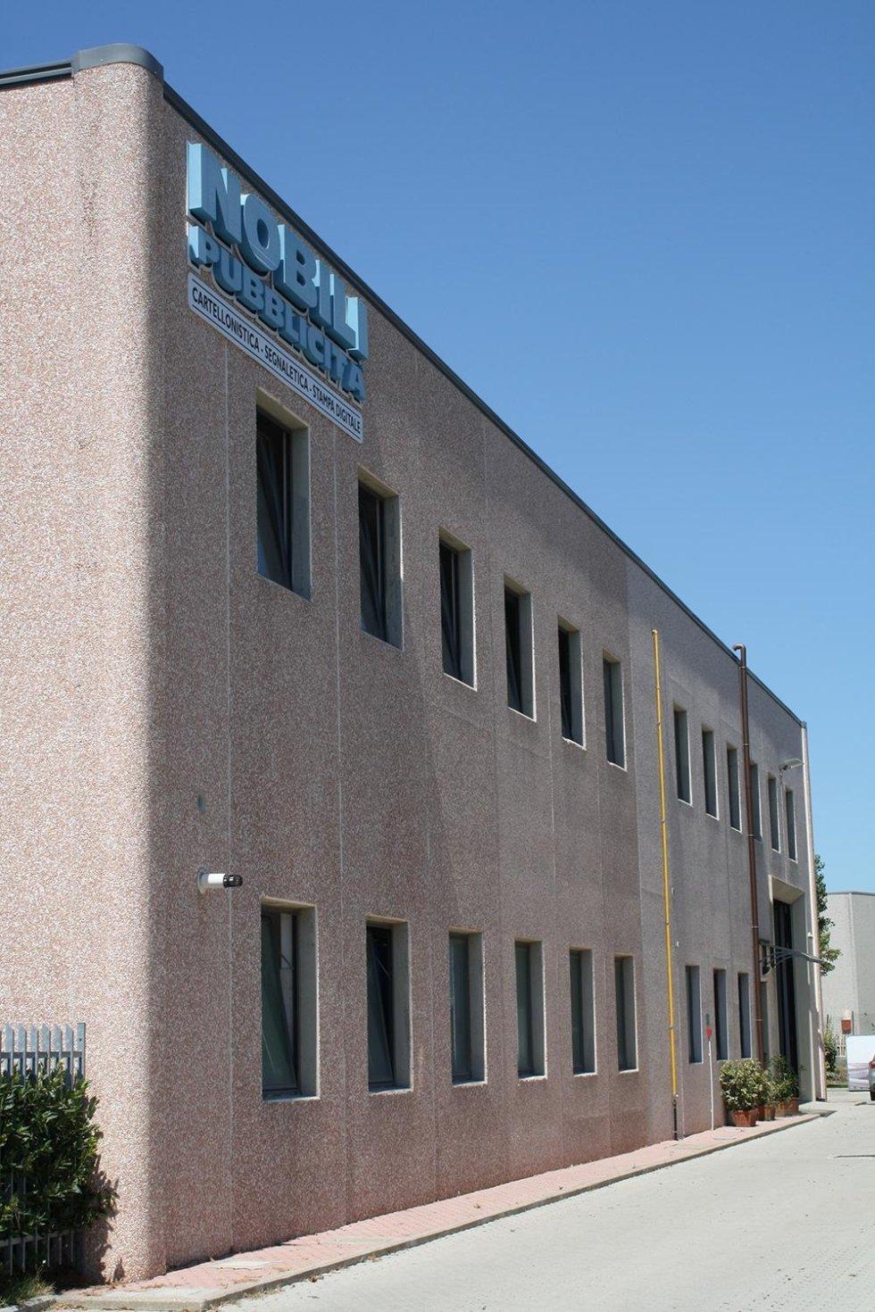 l'edificio Nobili pubblicità