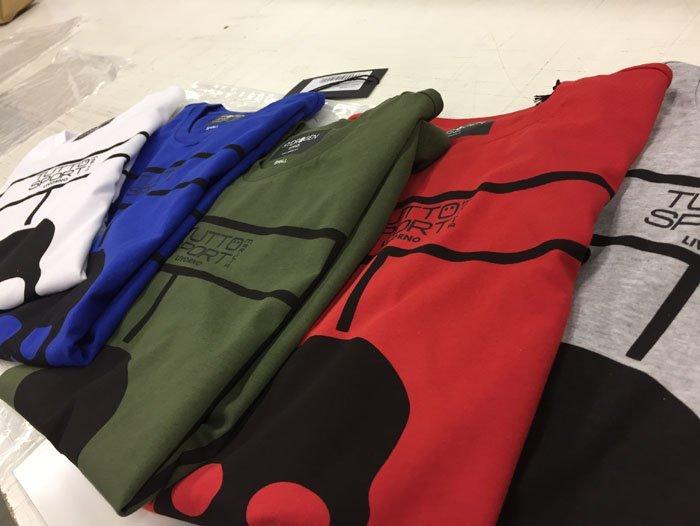 Magliette in diversi colori