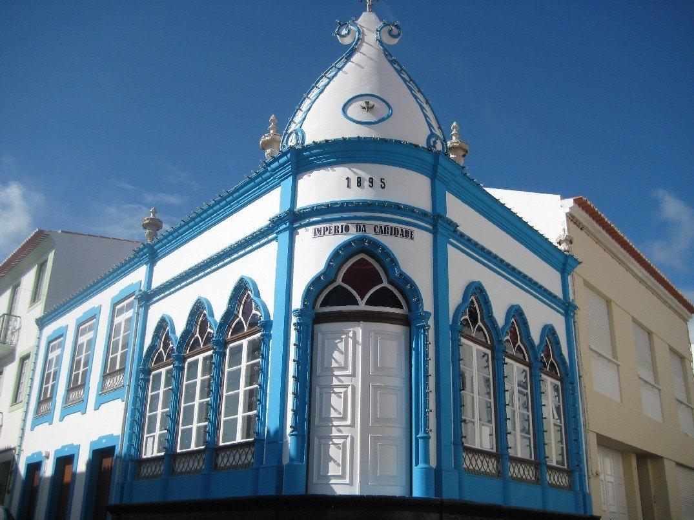 Azores bike tour architecture