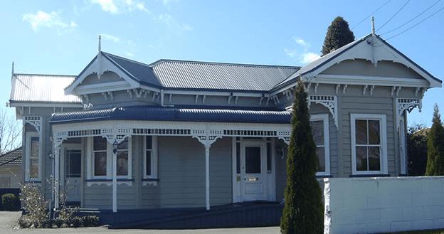 history of the new zealand villa pzazz building