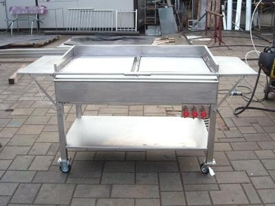 wheel-mounted barbecue