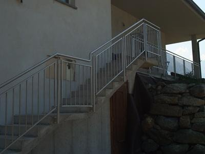 private staircase handrail