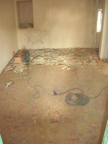 demolizione pavimento e sottofondo