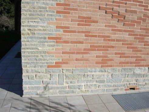 particolare muratura paramano e pietra