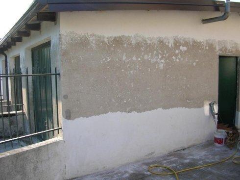 rimozione parti incoerenti di pittura