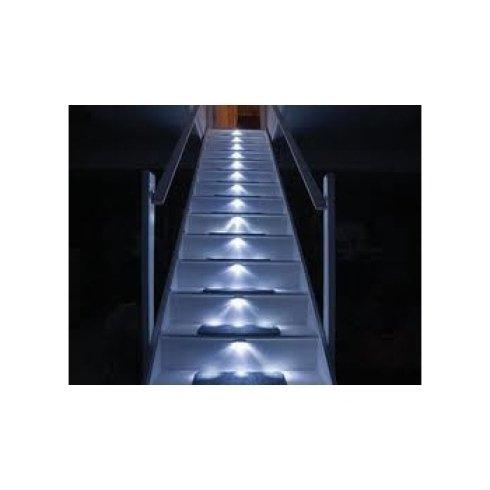 rivestimento scalinata luminosa