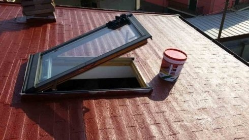 rigenerazione tetto in tegole canadesi con guaina liquida fibrorinforzata