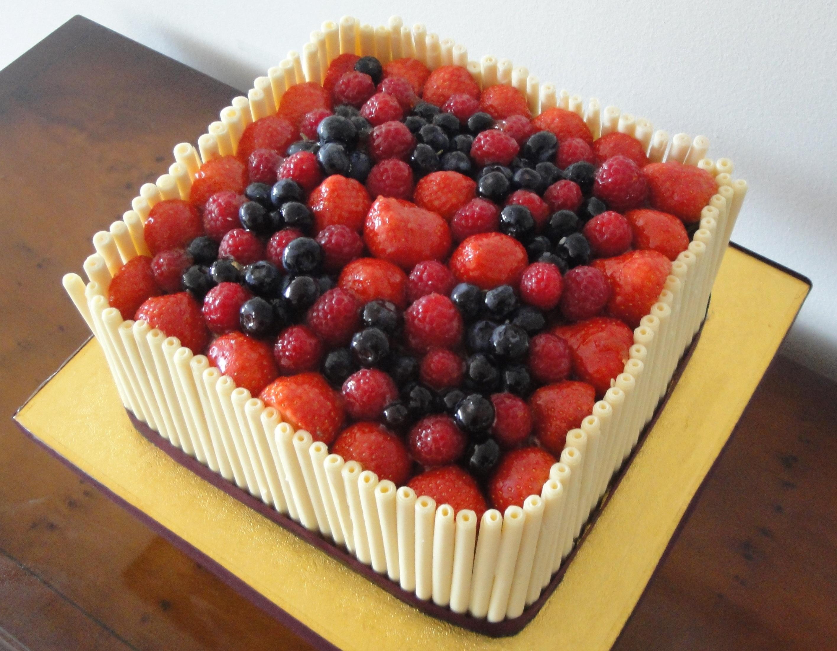 Ghaumour Design Decorative Bespoke Cakes & Catering ...