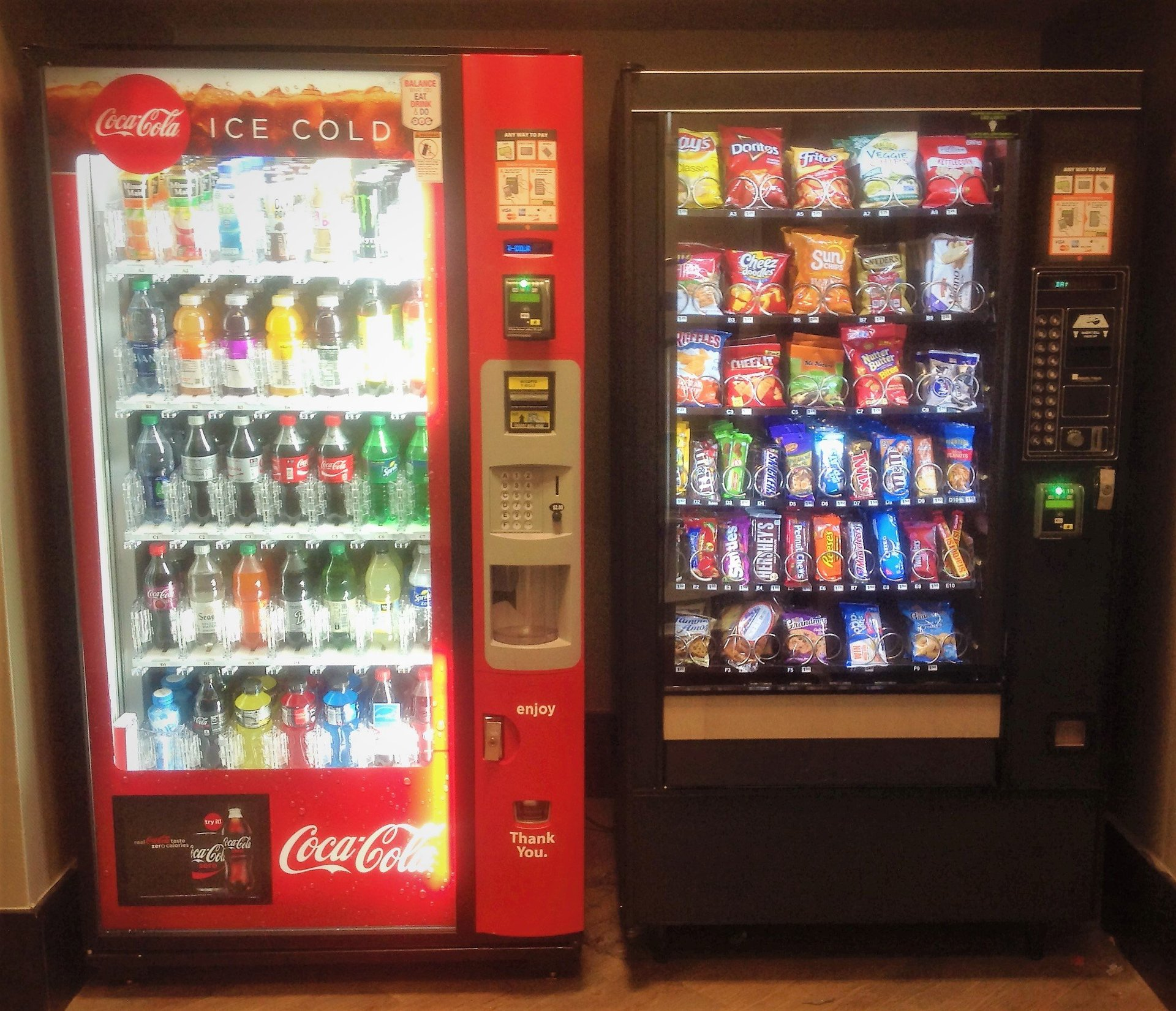Coke Glass front & Snack  Machine with Credit Card readers