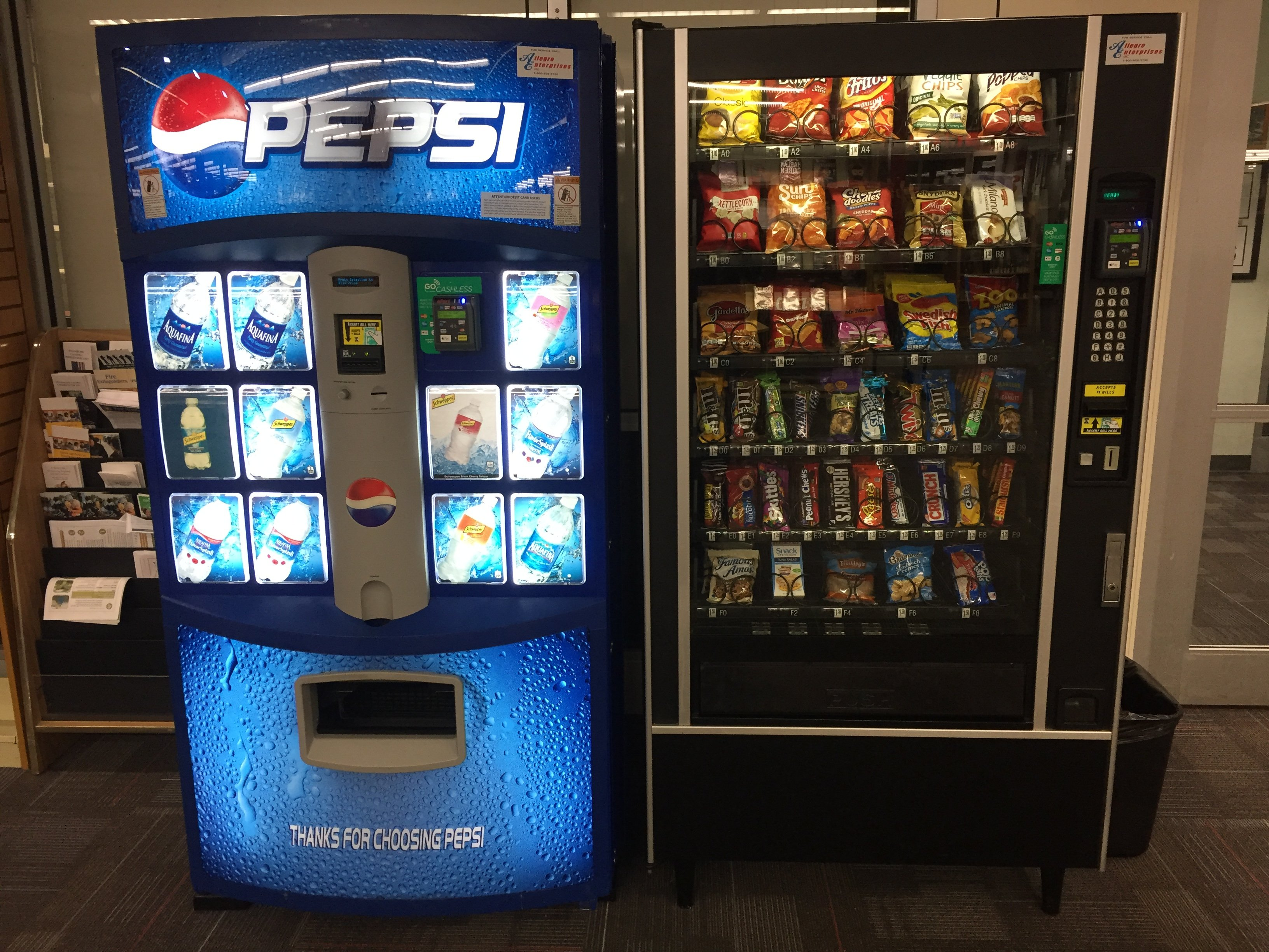 Pepsi & snack  Machine with Credit Card readers