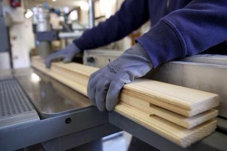 camera ricoperta di legno