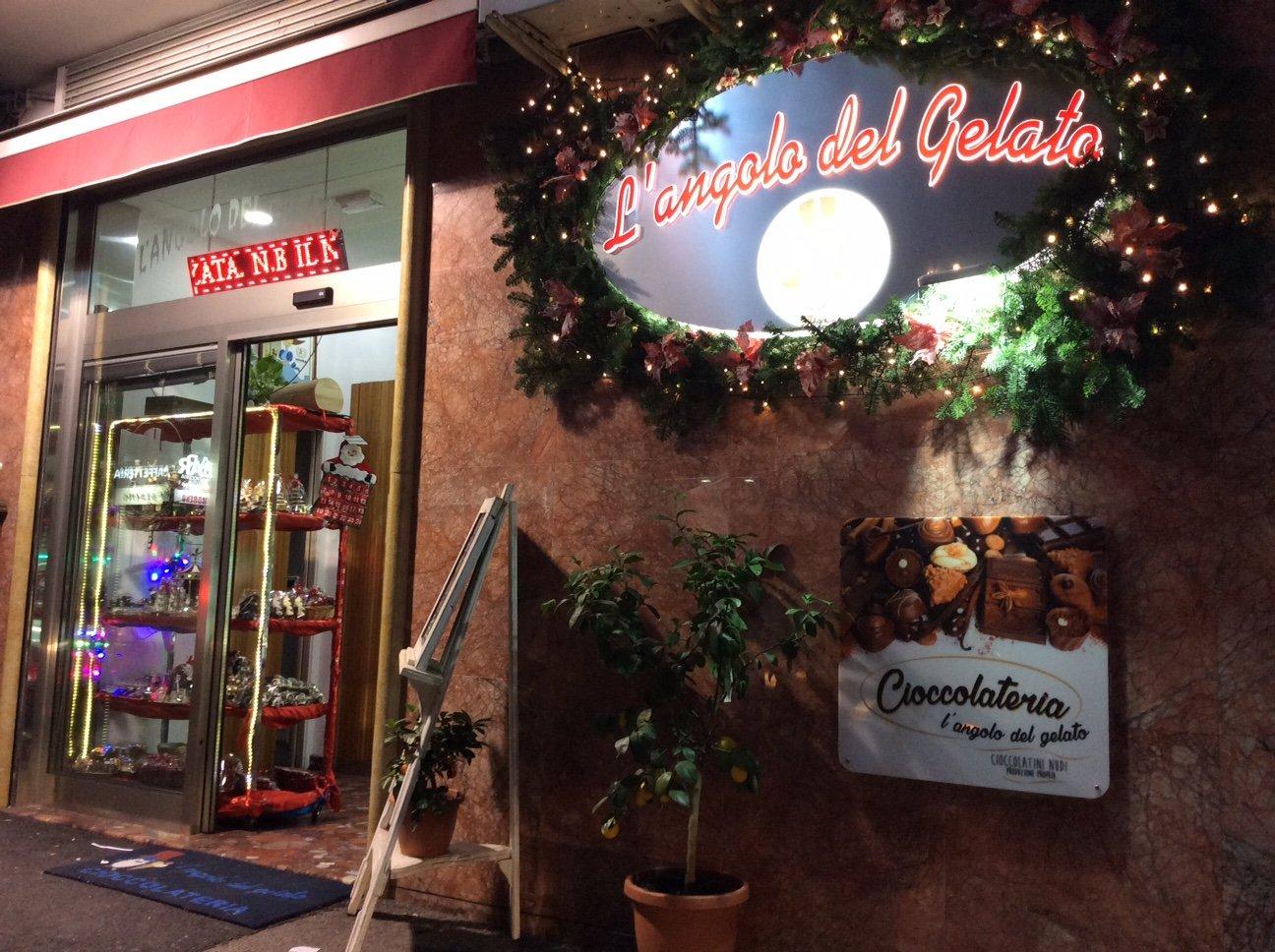 Ingresso della gelateria a Napoli