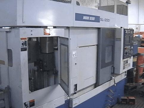 Macchinario per la lavorazione di metalli