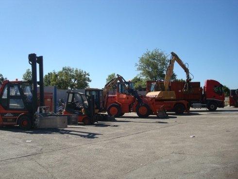 macchinari professionali adatti al trasporto e al trattamento dei rifiuti
