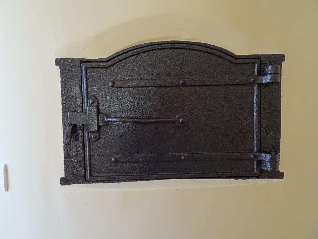 wall mounted cupboard