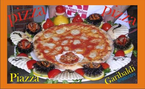 pizza con ricci di mare