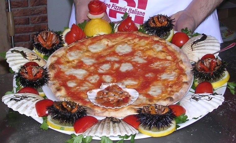 pizza ai ricci di mare