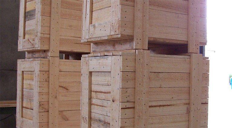 timber-boxes-at-warehouse