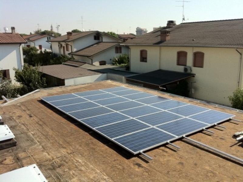 produzione impianti fotovoltaici