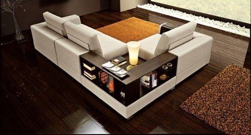divano con inserti in legno