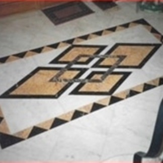 Pavimento di marmo con disegno centrale