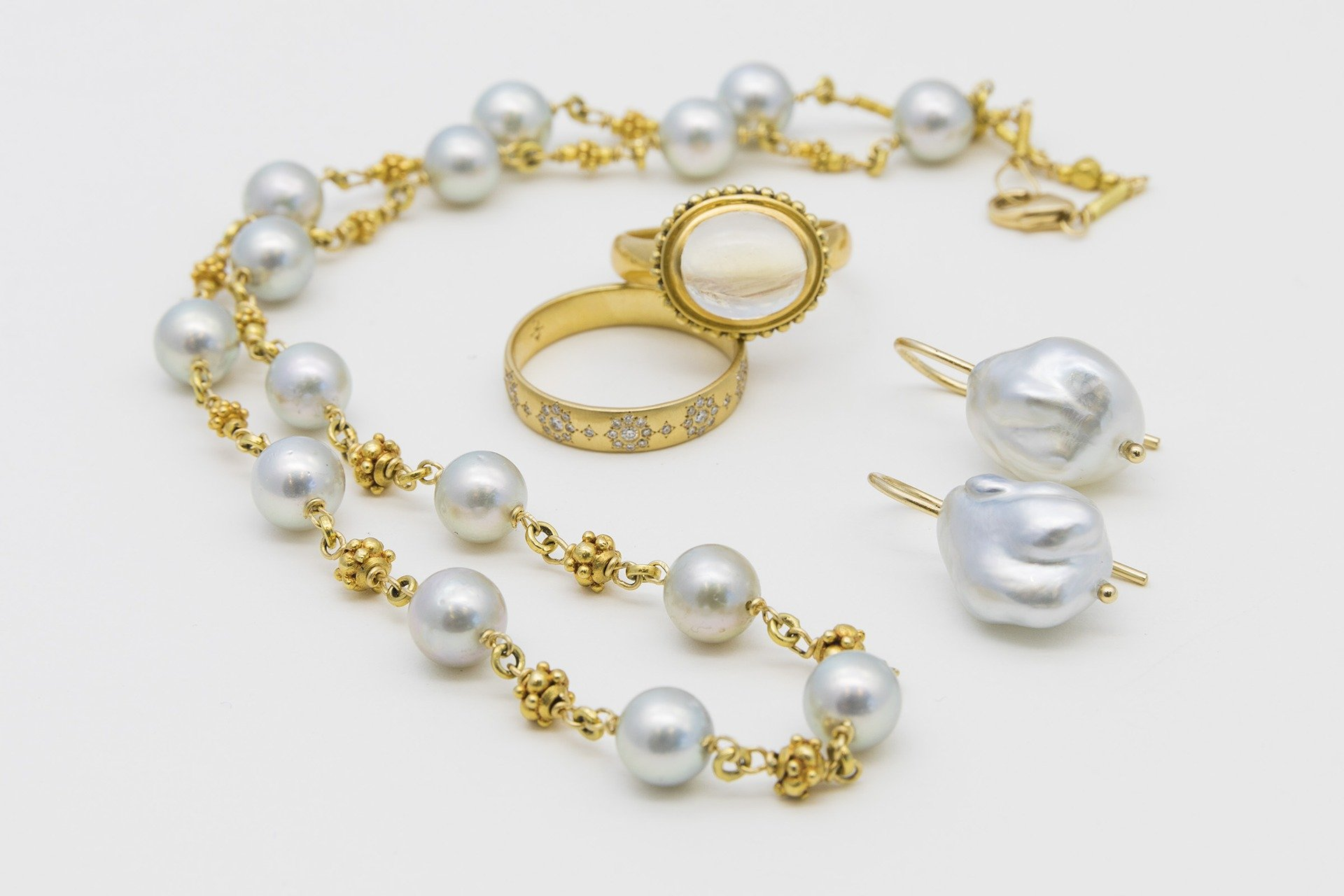 Pearls and Gold Collection