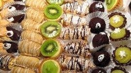 dolci panna, pasticcini frutta, crostatine frutta