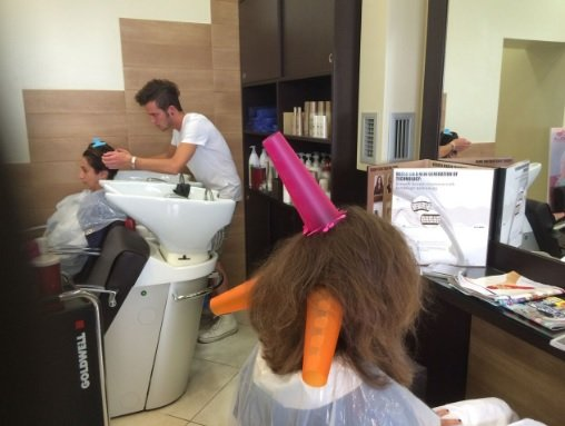 parrucchieri al lavoro
